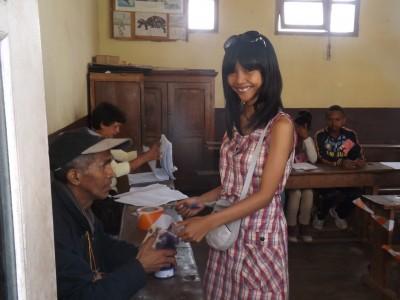 CAndy avy ao amin'ny Global Voices Online Malagasy, tonga nanatanteraka ny fifidianana voalohany teo amin'ny fiainany